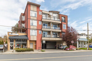 2 Bedroom Condo with Views of Gorge Waterway