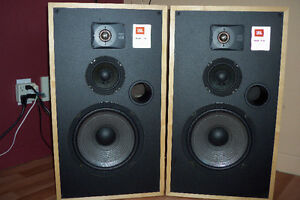 JBL TLX8 speakers mint condition!
