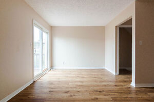 ~Perfect starter home with plenty of parking room~ Kingston Kingston Area image 3