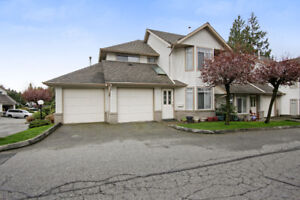 JUST LISTED! BEAUTIFUL TOWN HOME