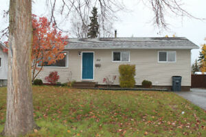 Beautiful House For Rent on Voyageur Drive