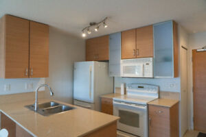$2100 / 1br - 603ft2 - Yaletown 1 bedroom 1bed 1 Den 1 parking