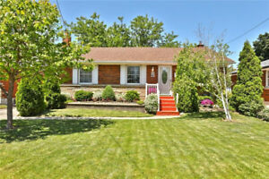 Beautiful Bungalow - Huntington Park, East Hamilton Mountain