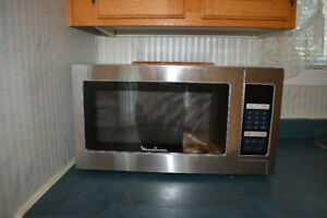 Micro-onde en stainless steel a vendre / microwave for sale
