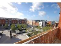 2 bedroom flat in Whale Avenue, Reading, Berkshire, RG2