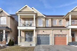 Bright And Spacious 4 Bdrm End Unit Townhouse, Move-In Ready