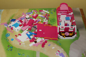 """"""" HELLO KITTY """" CRUISE SHIP PLAYSET ( works with LEGO !!! )"""
