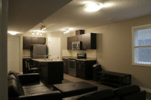 NEWLY BUILT MODERN 5 BED 4 BATH RENTAL UNIVERSITY OF ALBERTA