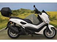 Yamaha N-Max 2016**HAND GUARDS, SPOT LIGHTS, TOPBOX, DIGITAL DISPLAY, ABS**