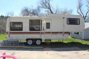 prowler 5th Wheel Trailer