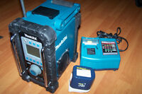 Makita radio charger & battery