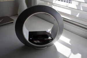 JBL RADIAL MICRO IPOD SPEAKER - GREAT CONDITION