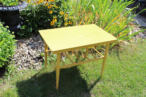 Small Yellow Table Kitchener / Waterloo Kitchener Area image 1