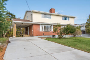 Fully Renovated Stylish Semi in Fairview