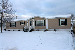Below Assessed Value!! Pine Tree / 2 Bed 2 Bath/ Great Condition