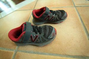 Souliers et sandales garçon taille 7 - 8 - 9 -10