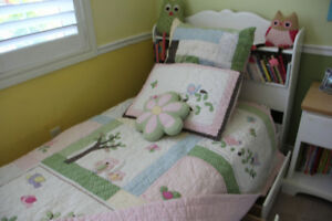 Pottery Barn Girls Twin Bedspread Cover, Owl Twin Sheets, Pillow