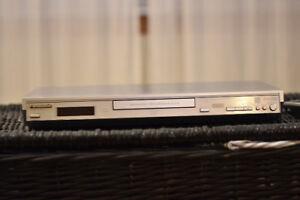 Lecteur DvD Panasonic S27