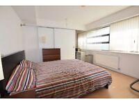 2 bedroom flat in Bridgepoint Loft, Shaftesbury Road, London, E78