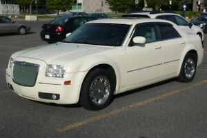 2005 Chrysler 300 Limited, Full, Cuir, Sunroof, A/C Froid