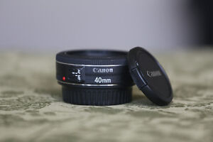 Canon 40mm F2.8 STM: With box