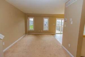 GREAT 3 BED TOWNHOME! SPACIOUS! DESIRABLE LOCATION! AVAIL DEC 1 Kitchener / Waterloo Kitchener Area image 6