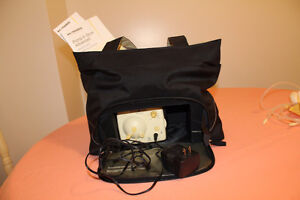 Medela Double Electric breast pump in Carrying purse Kitchener / Waterloo Kitchener Area image 2
