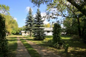 39057 Oakwood Rd, Springfield - Listing by Connie Kosky-Levesque