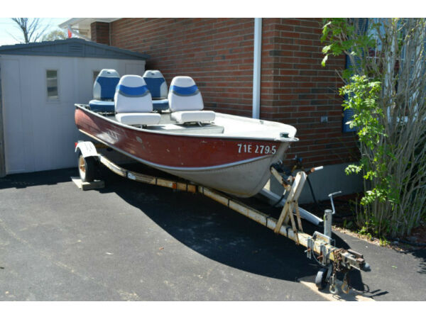 Used 1985 Harbercraft 14' Aluminum Boat