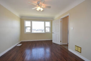 Across the Street from Mohawk $499/month - May 15, 5 rooms free!