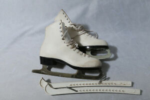 Ladies size 10 Bauer figure skates