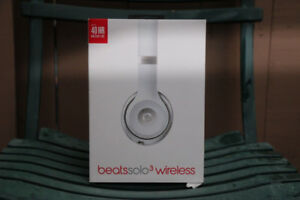 (NEW & AUTHENTIC) Beats by Dr. Dre Solo 3 Wireless Headphones