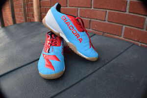 Indoor Soccer Shoes/Chaussures Intérieur   Diadora - Youth 1.5