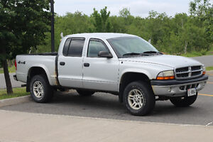 2004 Dodge Dakota Sport Pickup Truck