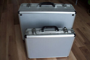 Valises solides / Solid suitcases