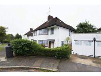 4 bedroom house in Howard Walk, East Finchley, N20