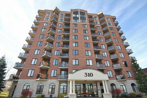 GREAT FOR INVESTORS 1 Bed + Den Condo Central Park
