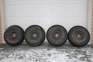 Set of 4 Cooper M&S Discover 245/65/17 Winter Studded Tires on R