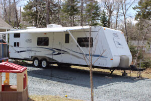 30 foot Trail Cruiser Travel Trailer
