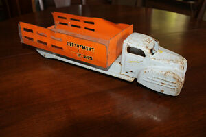 Lincoln Toys. Department of highways stake truck. 1950