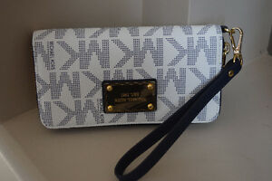 Michael Kors Jet Set Wallet - BRAND NEW
