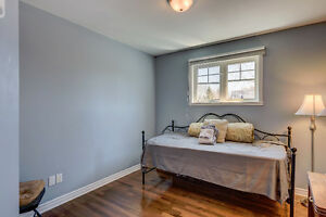 4bdr, 2.5bath Quiet & Private Residential Area West Island Greater Montréal image 9