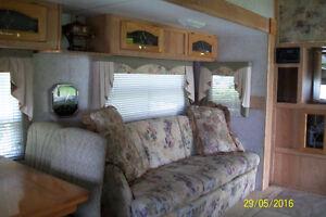 27ft Laredo 5th wheel trailer Kingston Kingston Area image 2