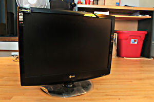 17-inch LG TV for Sale