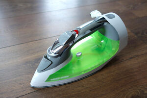 Black & Decker Iron with 6 Settings