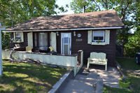 Grand Lake Waterfront Cottage - Restful nights, peaceful days!