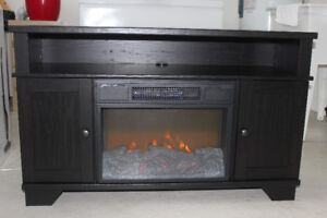 HAMILTON Electric Fireplace Mantle w/insert