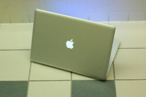 """Mid 2012 MacBook Pro 15"""", Core i7 with Software,  Works Great"""