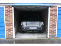Garage to Rent in Frimley Surrey