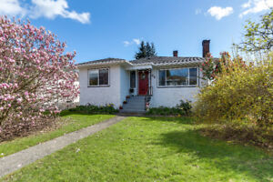 Xtra Wide & Xtra Bright Sunny South Vancouver Corner Lot
